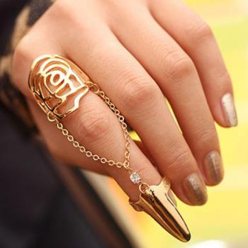 Fashion Hollow-out Rose Shaped Gold Metal Ring